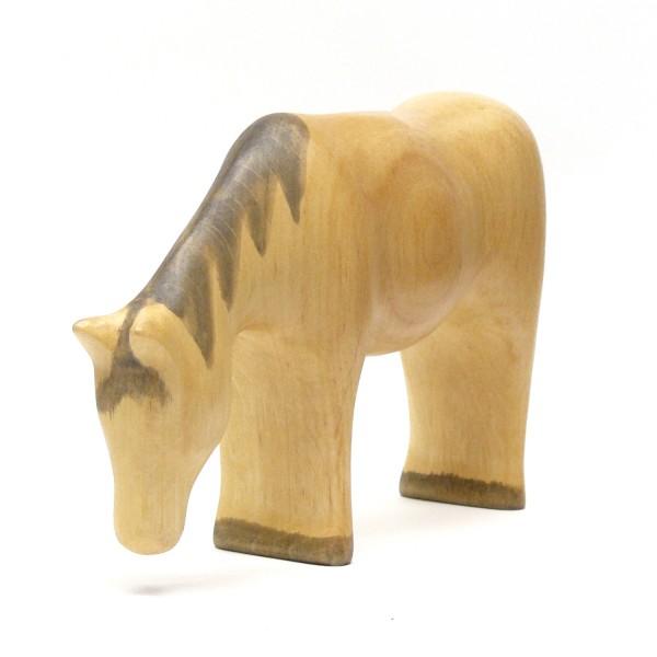 grasendes Pferd von buntspechte-holzspielfiguren.de