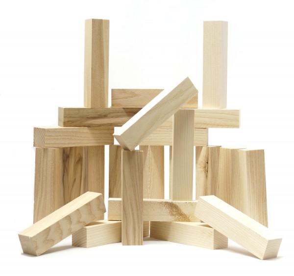 Spielzeug aus Eschenholzabfall