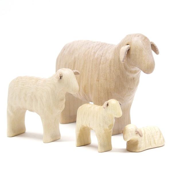 Schafmutter mit Drillingen aus Holz  von buntspechte-holzspielfiguren.de