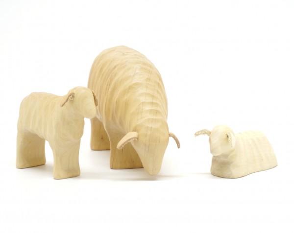 Schafmutter mit Zwillingen aus Holz  von buntspechte-holzspielfiguren.de
