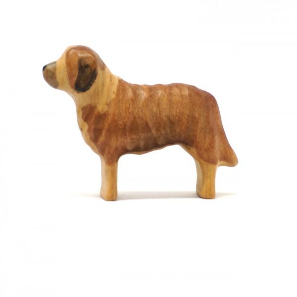 kleiner brauner Hund aus Holz von buntspechte-holzspielfiguren.de