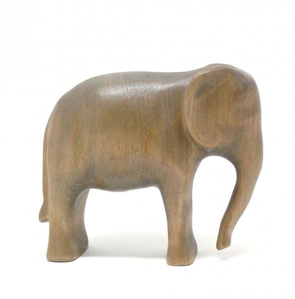 großer Elefant ohne Decke
